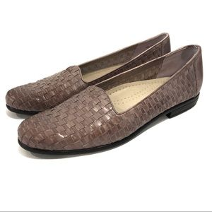 Trotters Liz Woven Loafers